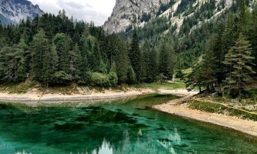 Passeggiare nel parco sommerso di Tragoess (Austria)