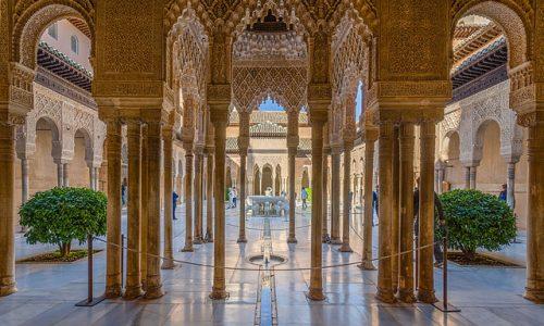 Alhambra: la fortezza rossa di Granada