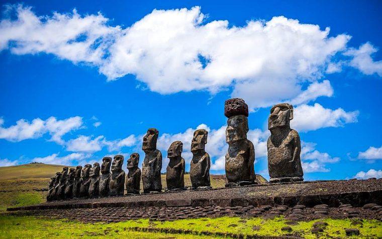L'Isola di Pasqua ed i suoi enigmatici Moai