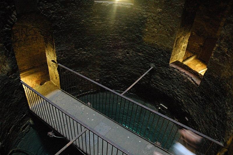 Ponticello Pozzo di San Patrizio, Orvieto. Foto by (c) Fabio Poggi on Wikimedia Commons