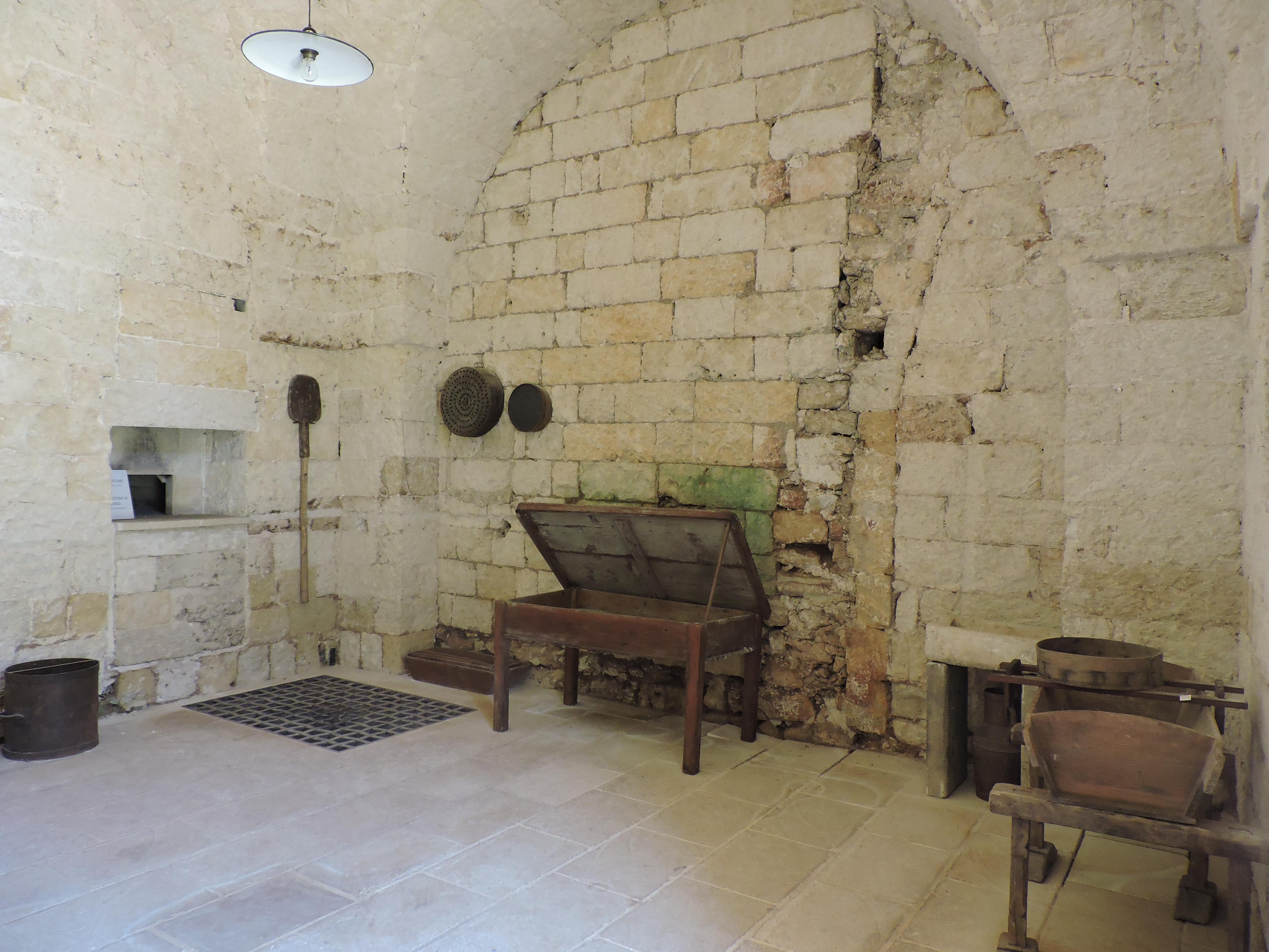 La stanza del forno nell'Abbazia di Cerrate, foto (c)Sara Venturiero