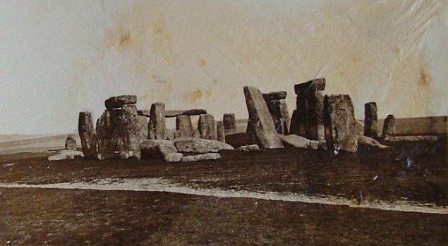 Stonehenge in una fotografia del 1877, fonte (c)Philip Rupert Acott