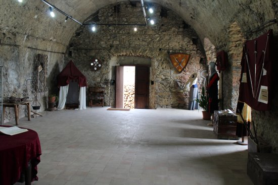 Una delle sale del Castello di Isabella Morra